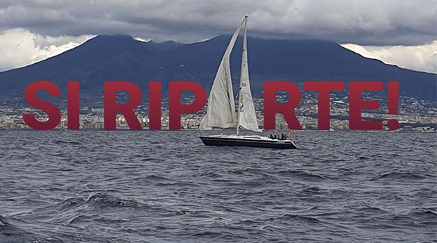 barca a vela nel golfo per i corsi di vela della leganavalenapoli